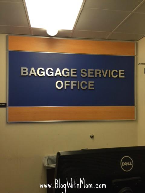 baggage claim airplane