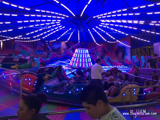 Rodeo carnival ride